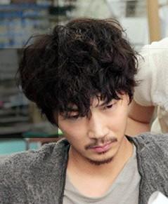 綾野剛 髪型 画像 すべてがFになる