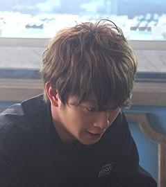 月9ドラマ『失恋ショコラティエ』溝端淳平のくせ毛風パーマショートヘアスタイル