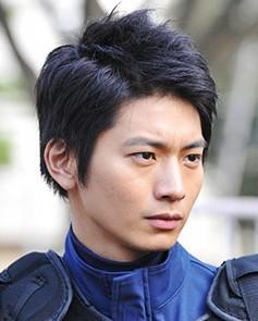 日曜ドラマ『S-最後の警官-』向井理くんの髪型・ショートヘアスタイル